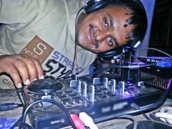 MUSKURANE KI WAJAH - DJ BABU KADOLI.mp4
